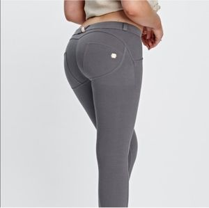 NWT Freddy WR.UP Slounge gray low rise pants